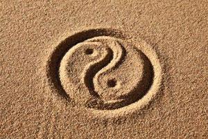 Инь Янь на песке